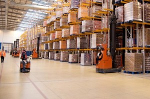 warehouse-management-system_employees-racking-product-750x496