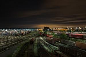 railway-station-1363771_1920