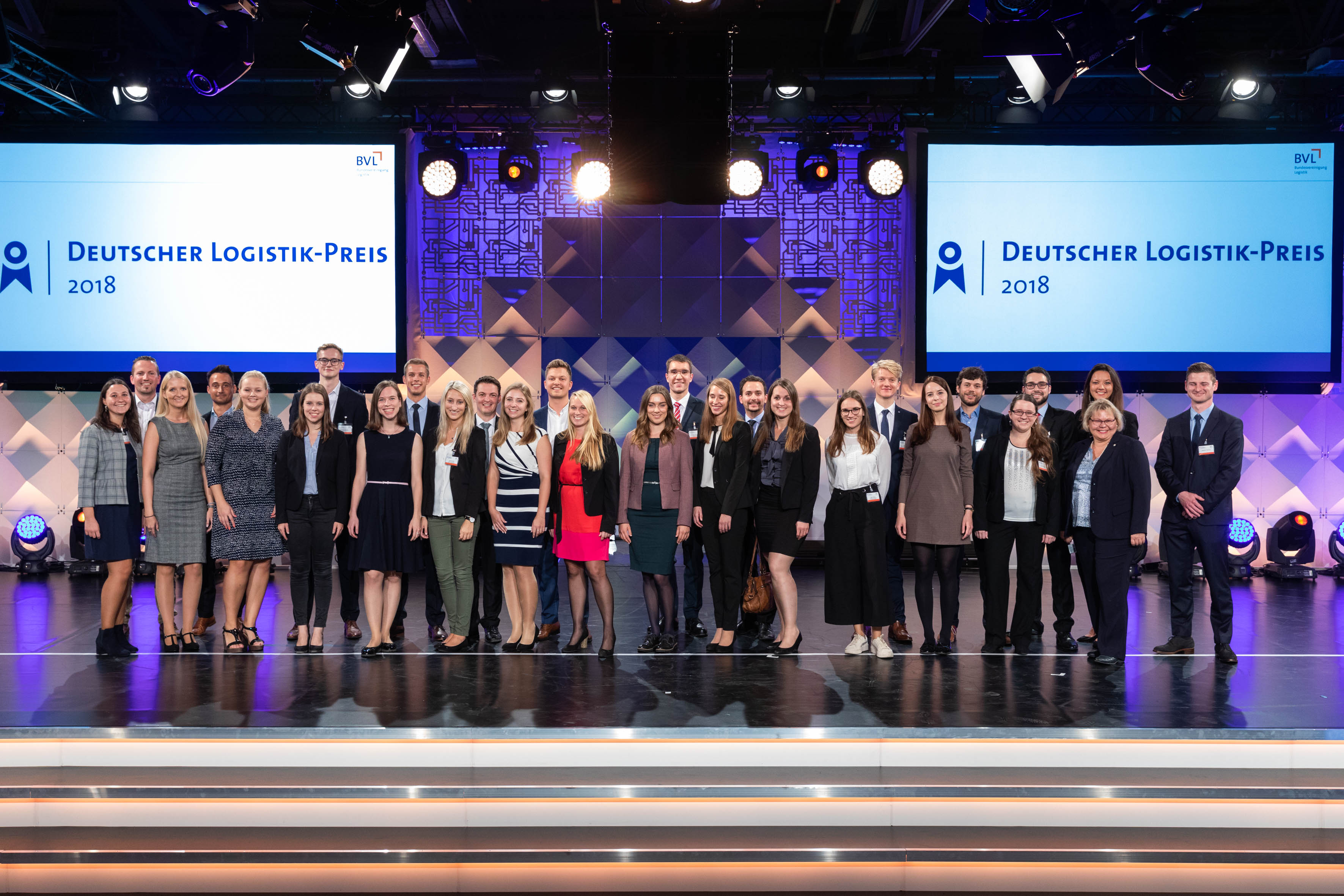 At the end of the Gala Evening in Berlin, the stage belonged to the young winners of the Thesis Award 2018.