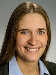 Dr. Carolin Singer-Neumann
